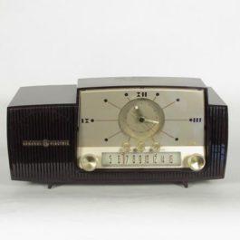 Vintage ゼネラル・エレクトリックのラジオ General Electric 1950's radio