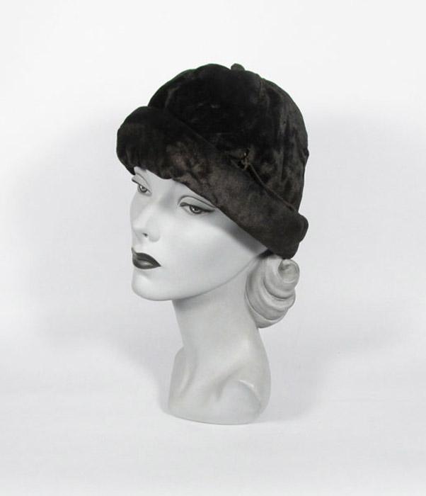 1910's ladies black velvet hat