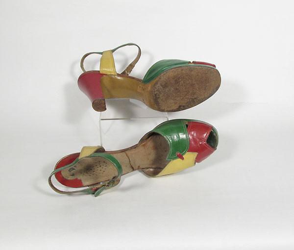 1940年代アンクルストラップレザーパンプス