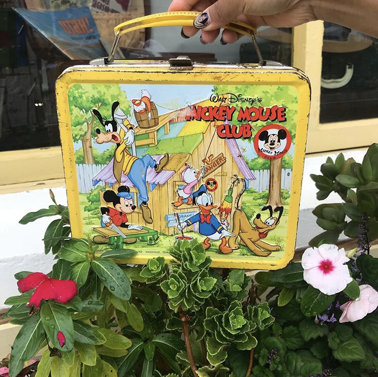 ☆★Vintage 1970's disney mickey mouse club lunch box★☆