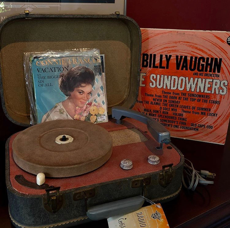 ★Vintage 1950's Record Player★