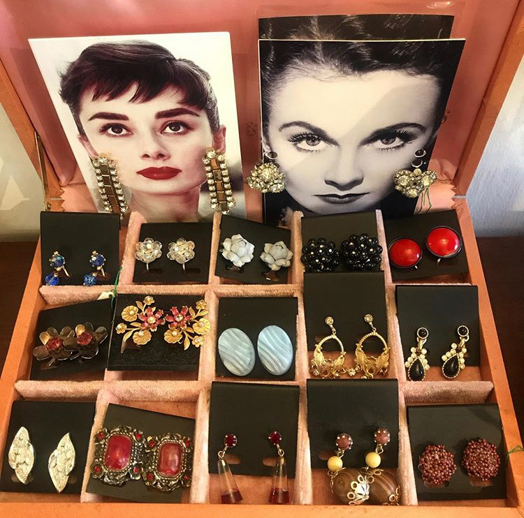Vintage ladies earrings now in stock❤️