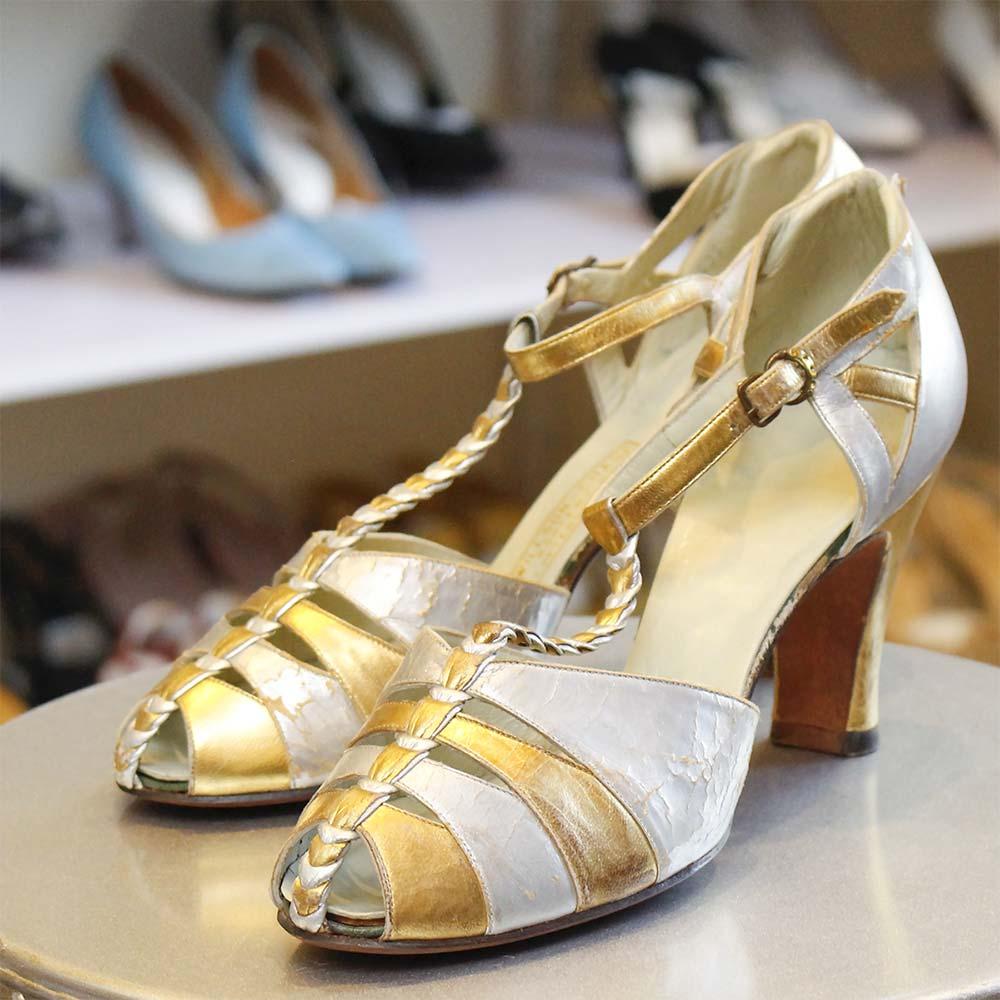 American Wave Ladies Shoes